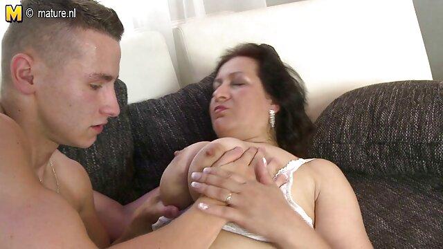 Pornó, Reggeli meglesett szex Hívás a barátnőmhöz.