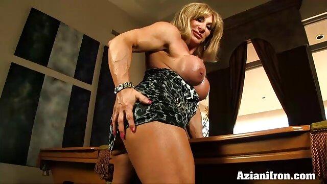 Pornpros csodálatos test, erőszakos szex videók lenyűgöző Mellek gonzo szex